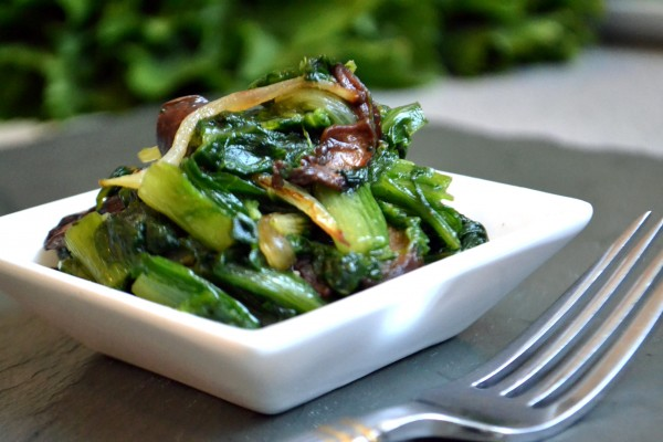 Sauteed Escarole with Mushrooms